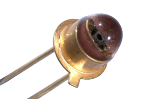 first-led-diode-General-Electric-1962